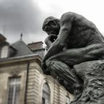 La mirada científica De thinkers a doers ¿Se atreve a salir de los comentarios de pasillo para pasar a la acción?