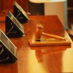 LAS CORTES JUDICIALES PELEAN CON TRUMP