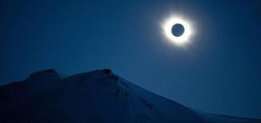 Eclipses húmedos y besos de gigantes
