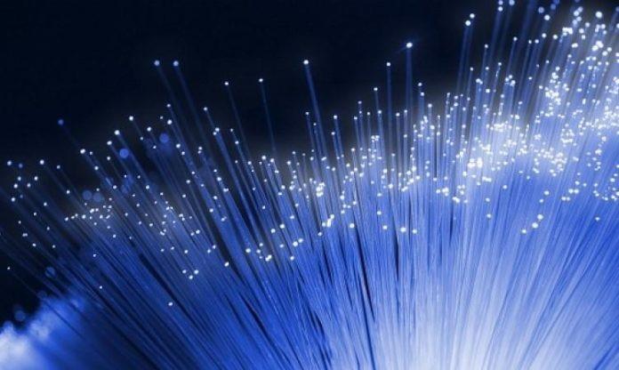 Físicos descubren ondas que causan daños en la transmisión de fibra óptica